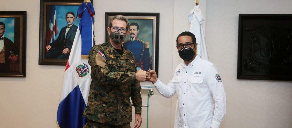 Director defensa civil visita al ministro de defensa 2